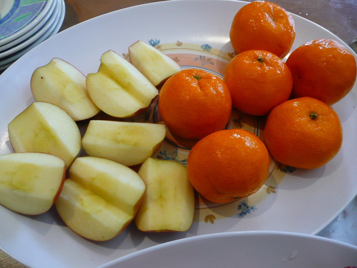 Apples and mandarins
