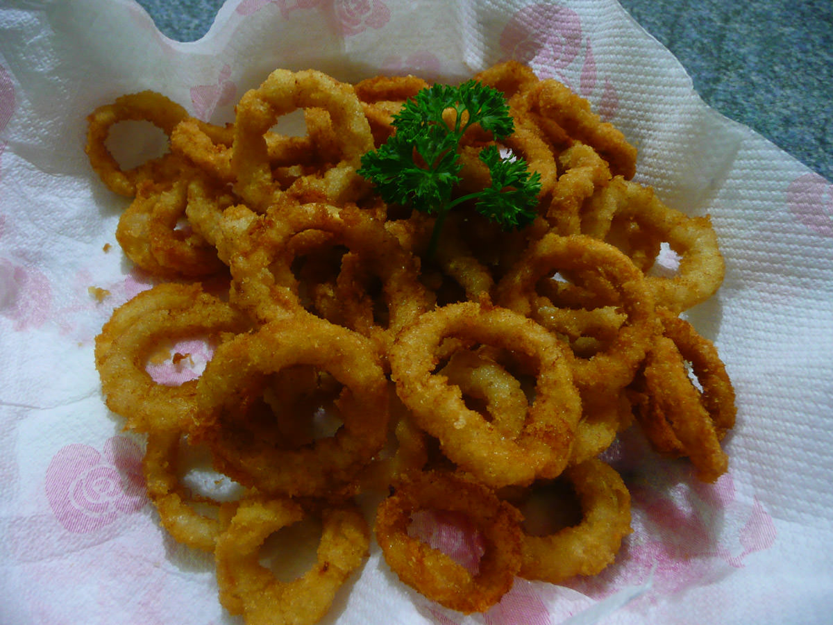 Deep-fried crumbed calamari