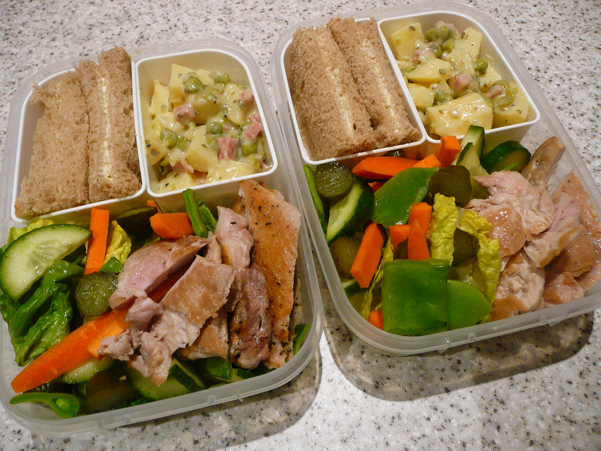 Chicken and salad bento for two