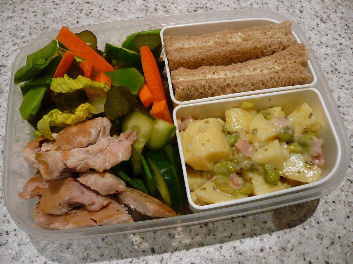 Chicken and salad bento
