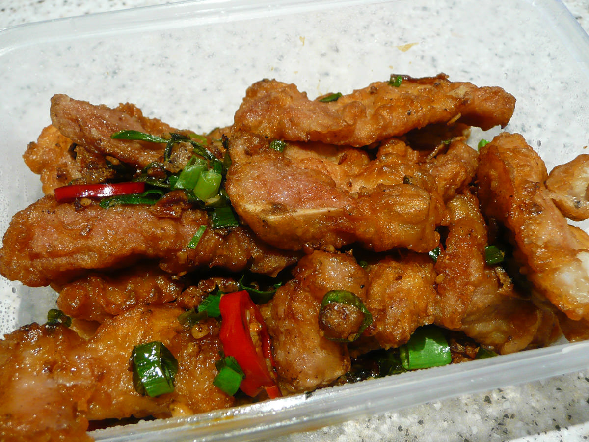 Pork ribs with spice and pepper
