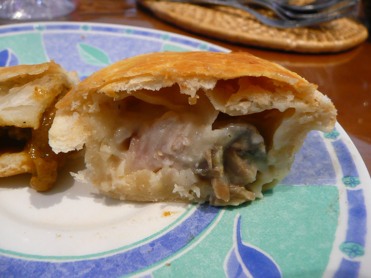 Chicken, cheese and bacon Cruizer pie