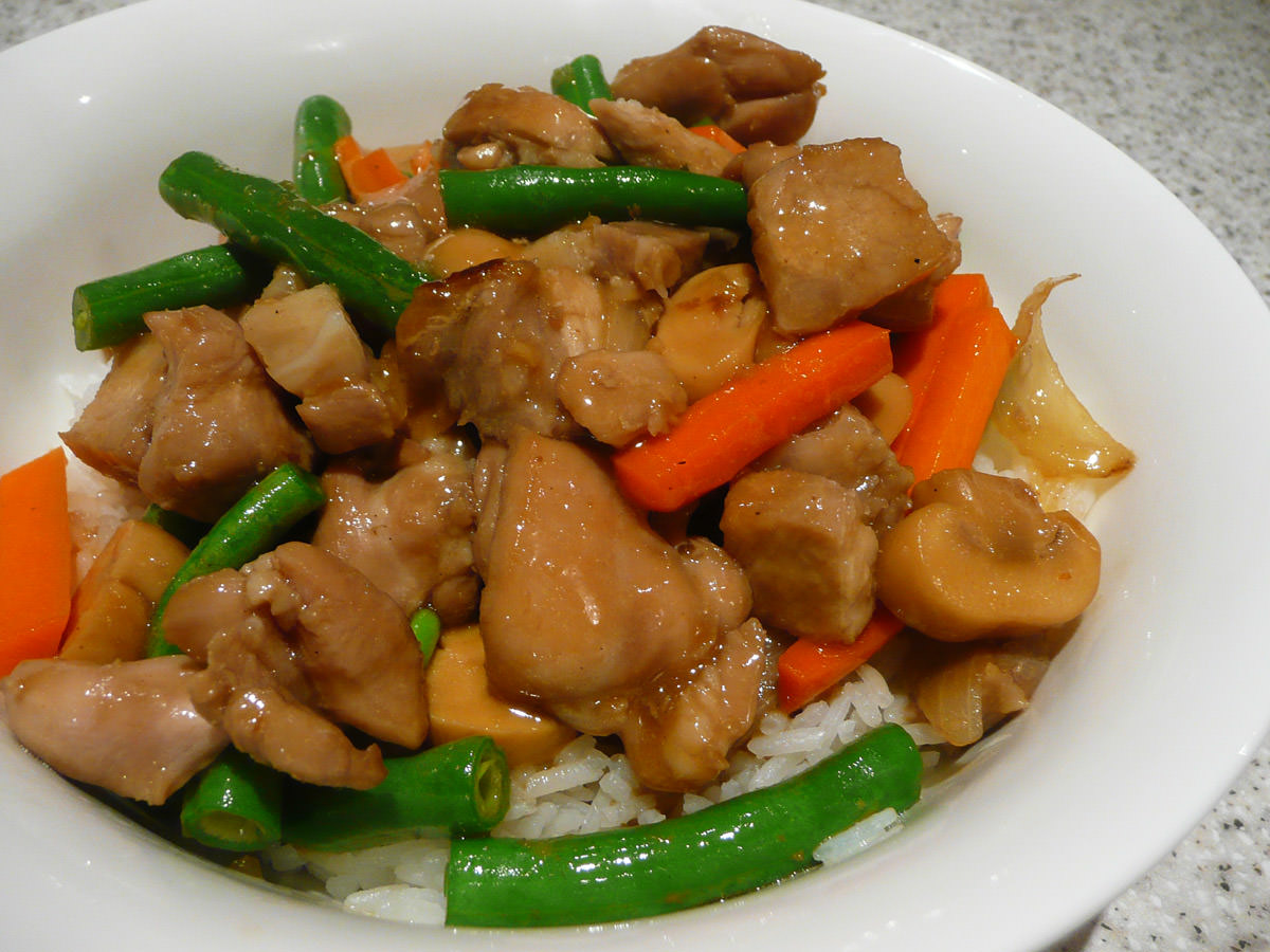 Ginger chicken and vegetable stir-fry