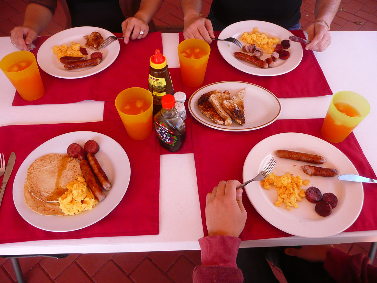 We eat breakfast