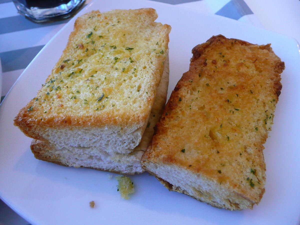 IKEA garlic bread - $1 for 2 pieces