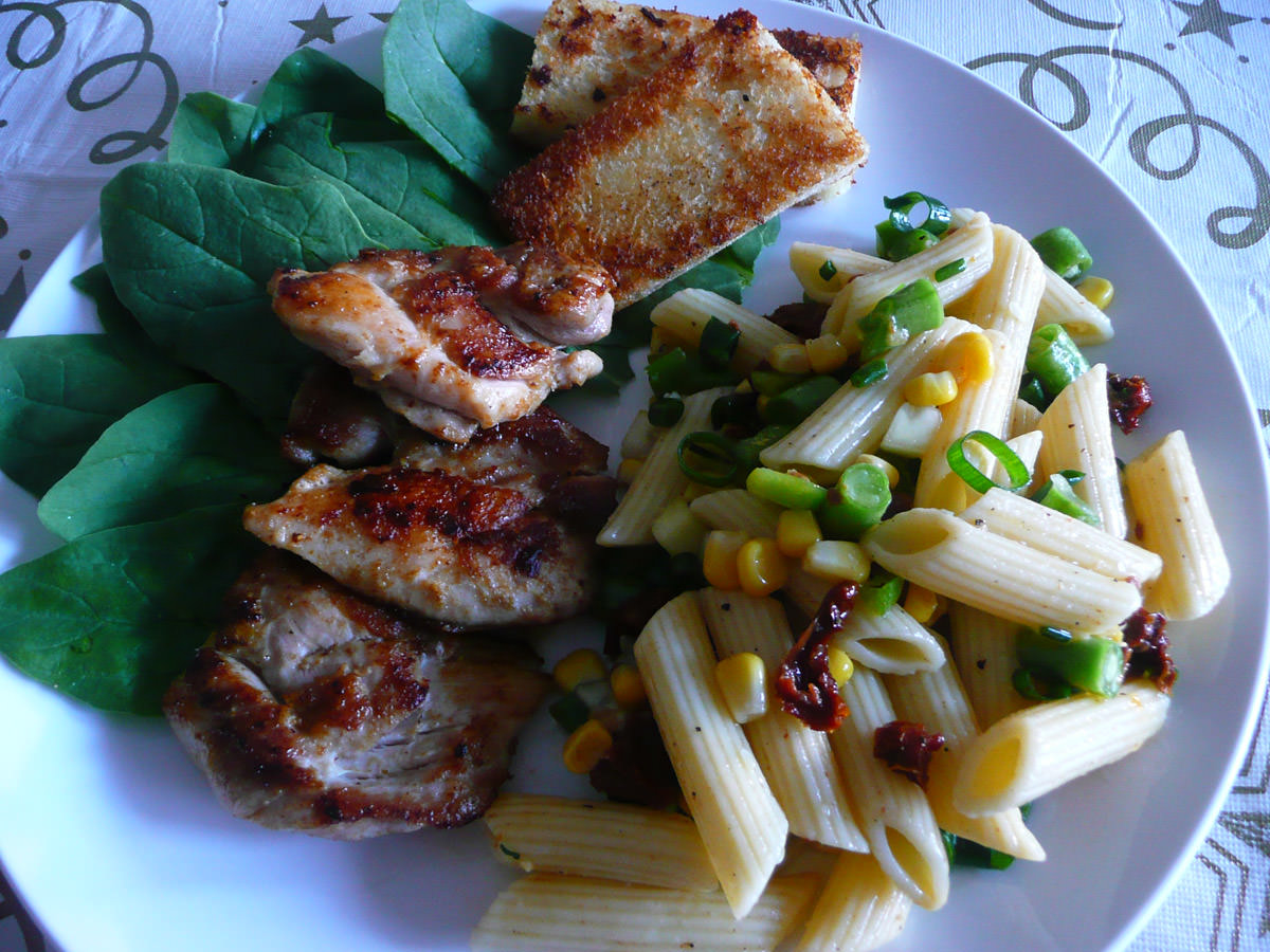 Panfried chicken with pasta salad