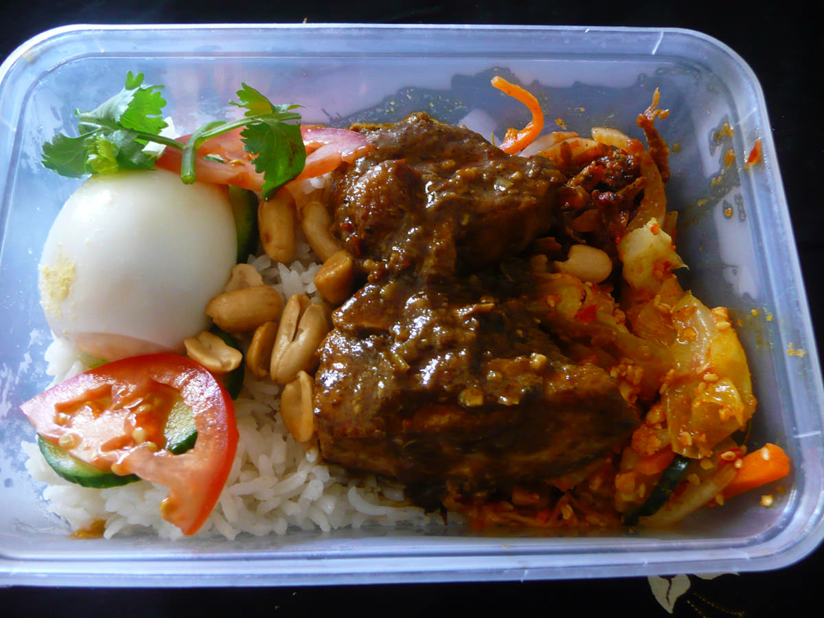 Takeaway nasi lemak for lunch