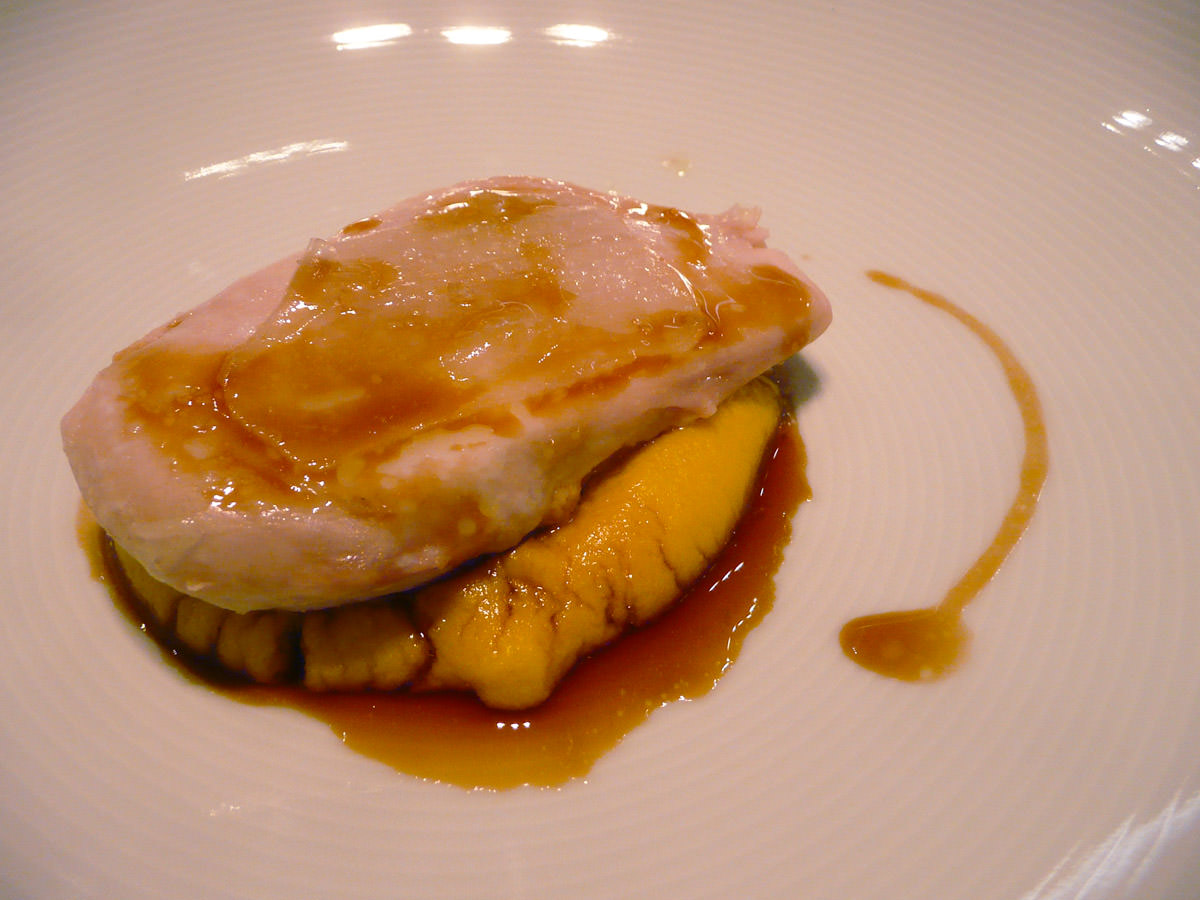 Breast of chicken with corn and foie gras