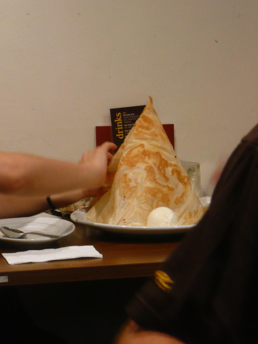 Ninja shot of someone else's roti tisu with ice cream - next time I will have this!