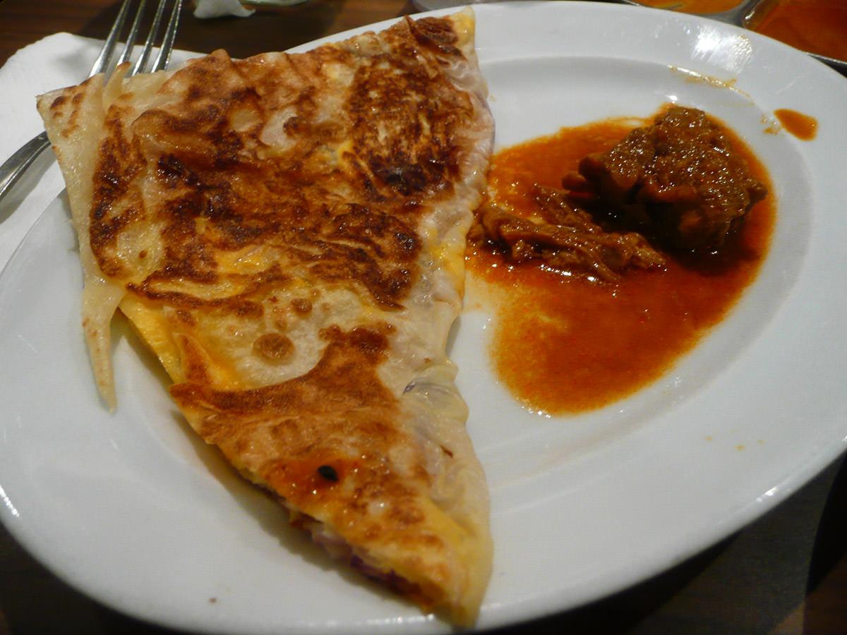 Roti telur bawang with kari kambing