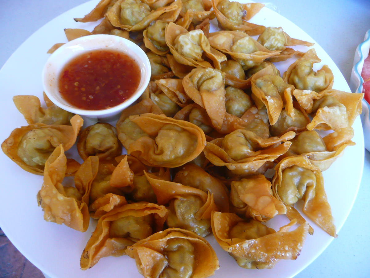 Homemade wantan with sweet chilli sauce