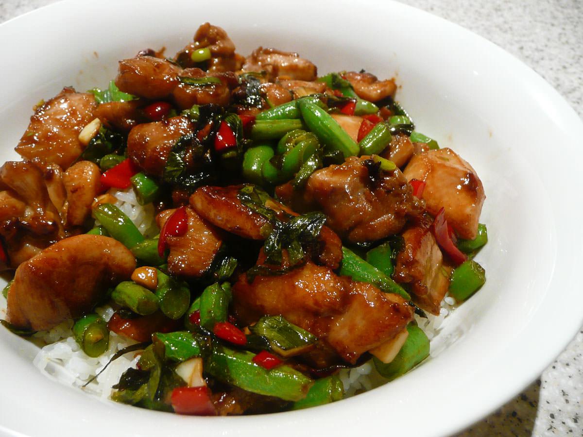 Chicken, green bean and chilli stir-fry