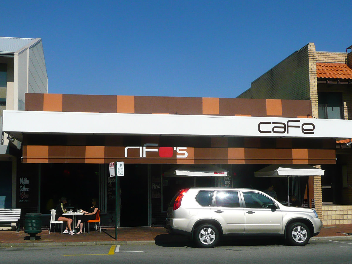 Rifo's Cafe - frontage