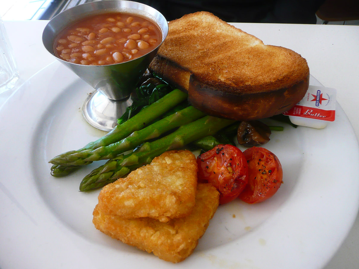 Hippy chic - vegetarian fry-up