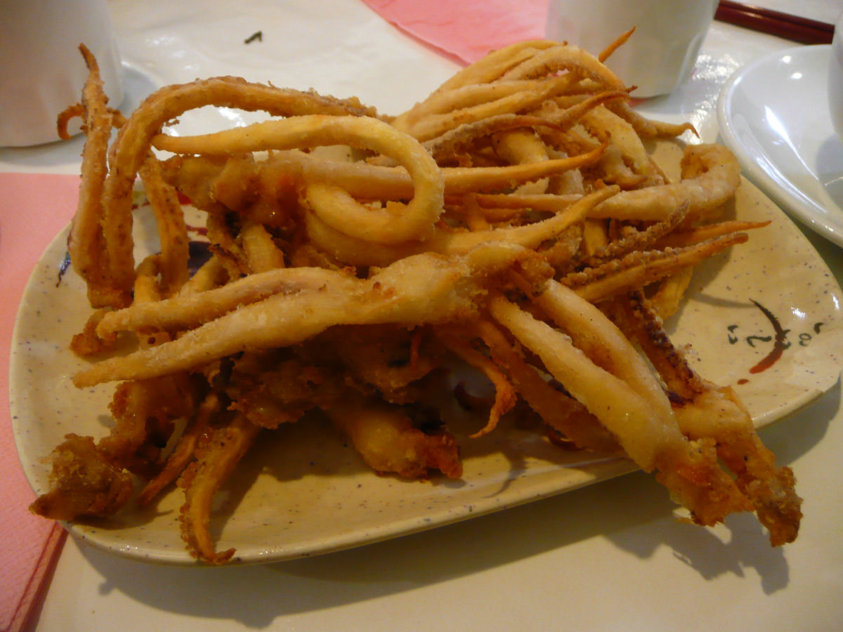 Crispy deep fried squid tentacles