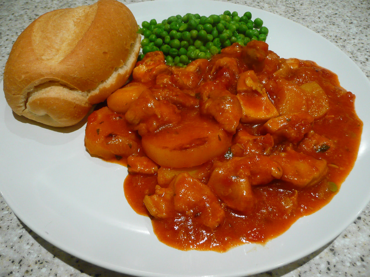 Beerenberg Farm Taka Tala chicken casserole with peas and a buttered bread roll