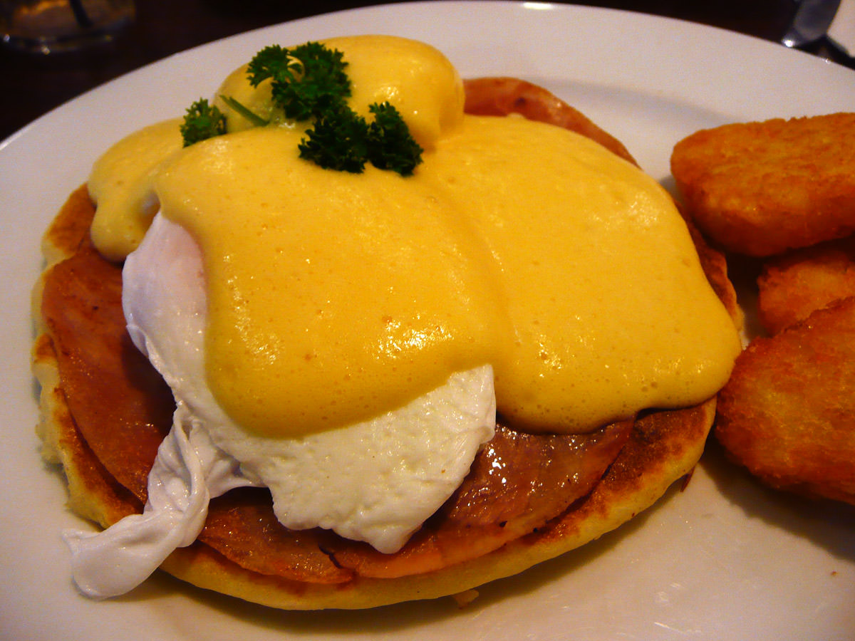 Eggs Benedict close-up