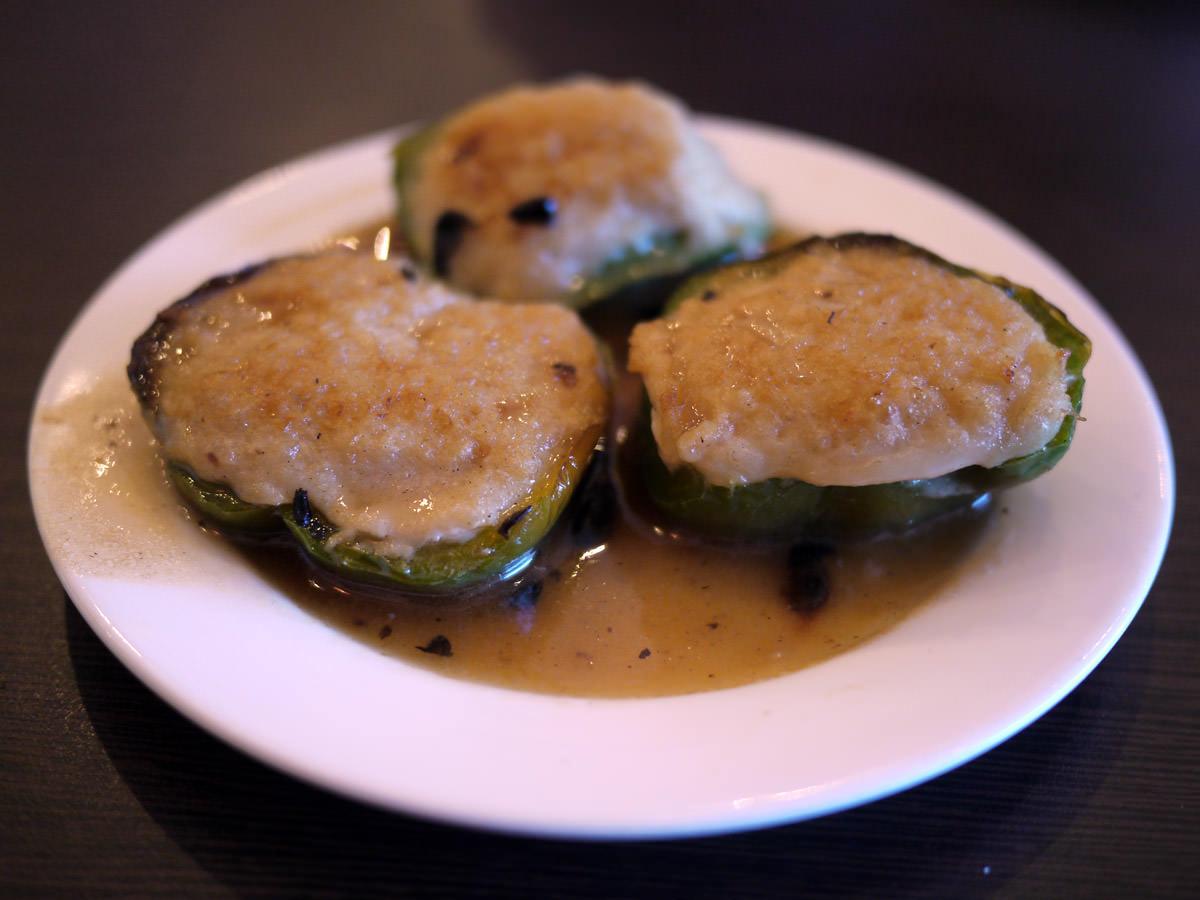 Panfried stuffed capsicum