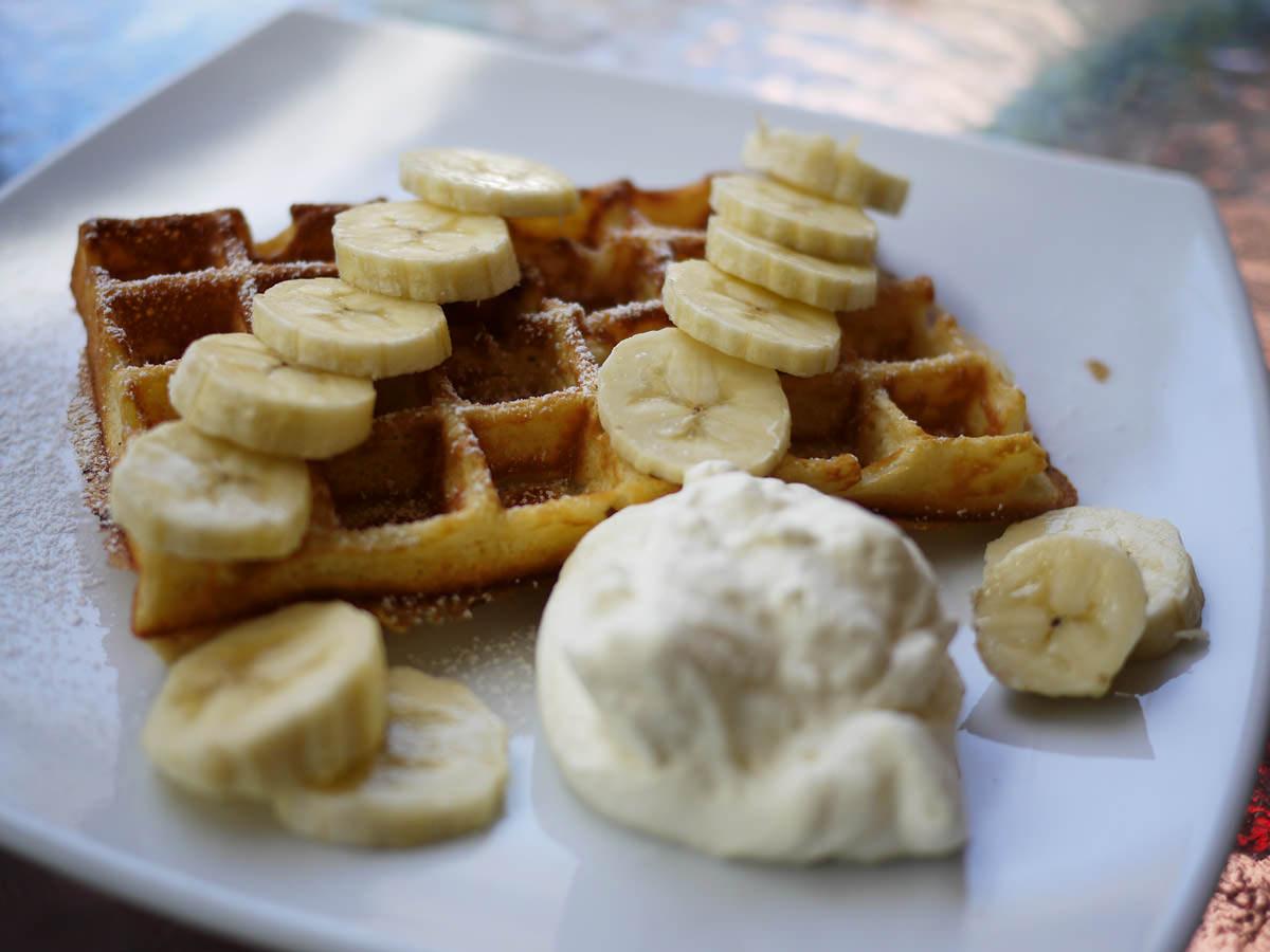Waffle with banana and cream