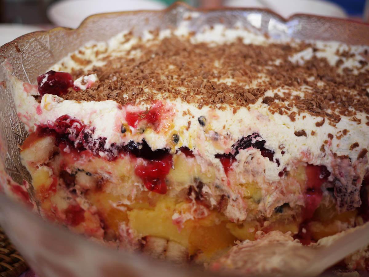 Trifle innards