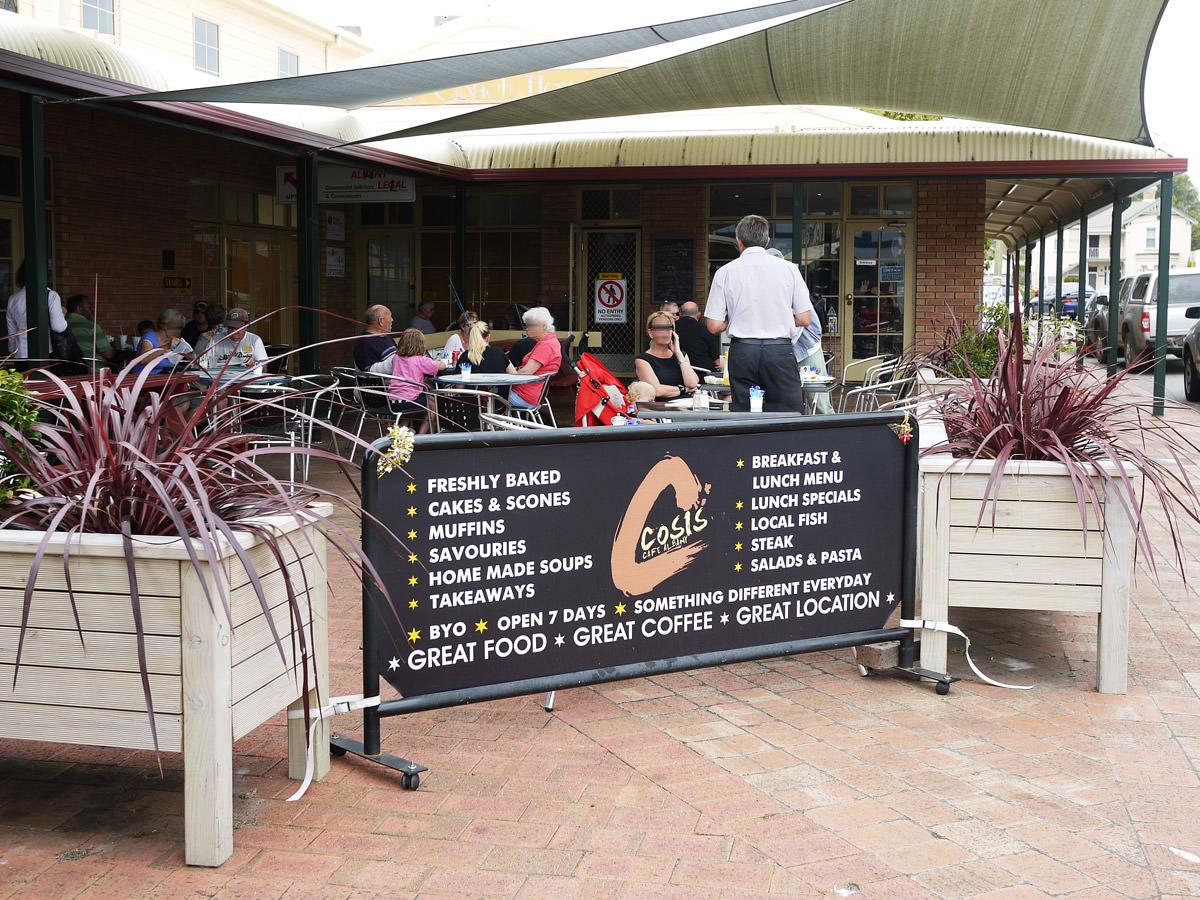 Cosi's Cafe main dining area