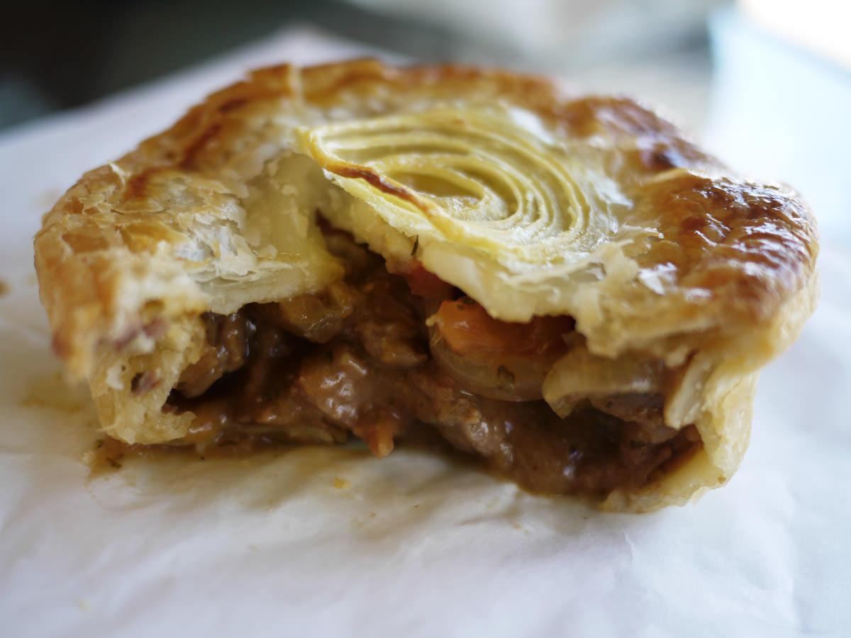 Steak, tomato and onion pie innards
