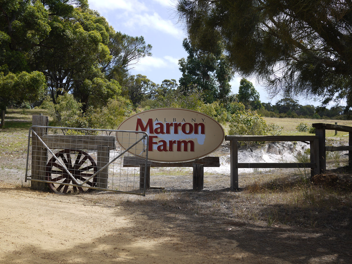 Marron Farm sign
