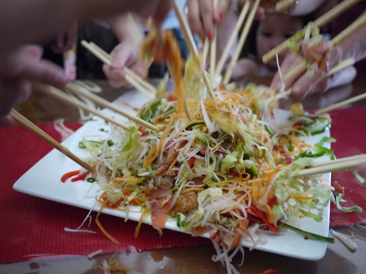 Mixing the yee sang 5