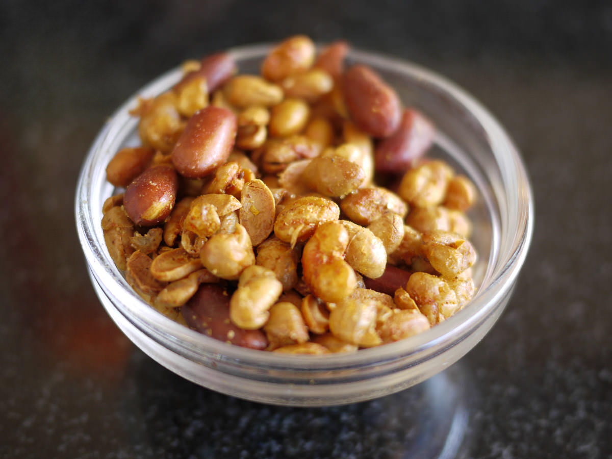 Complimentary fried spiced peanuts and soy beans