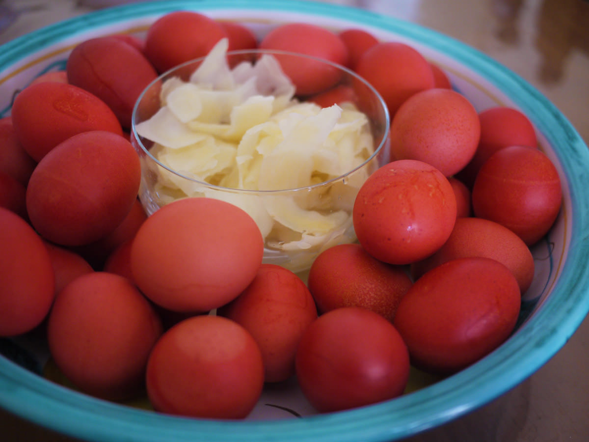 Red eggs and pickled ginger