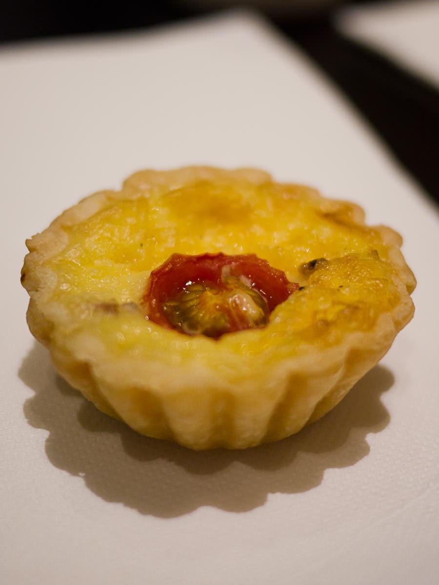 Pancetta and cherry tomato petite tart