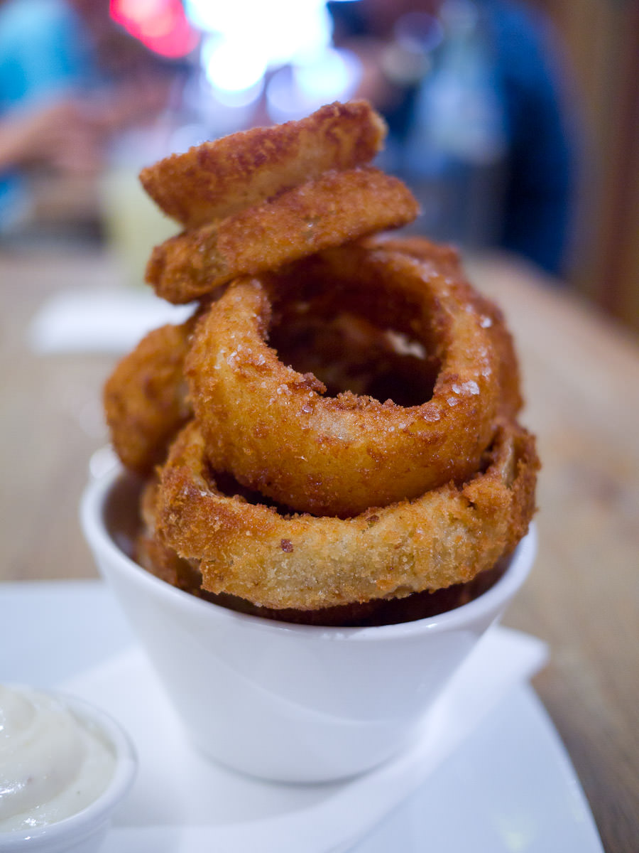 Onion rings with aioli