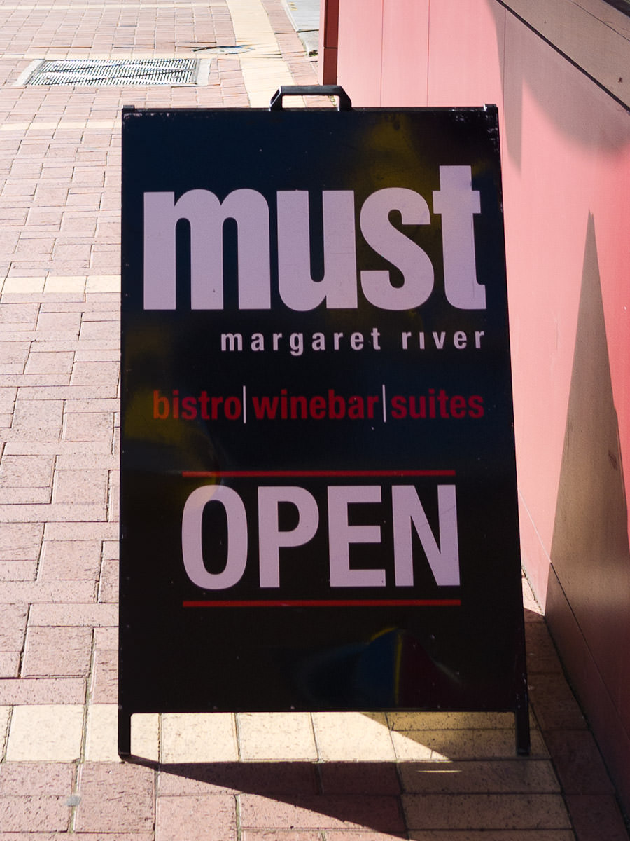 Must, Margaret River - sign