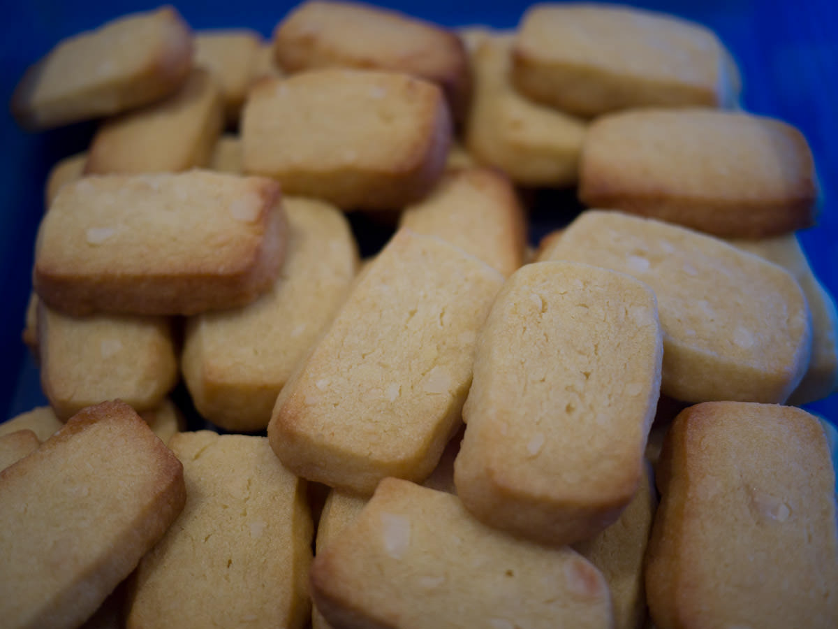 Burnt butter marmalade macadamia biscuits