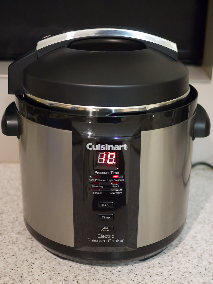 Cuisinart pressure cooker in action