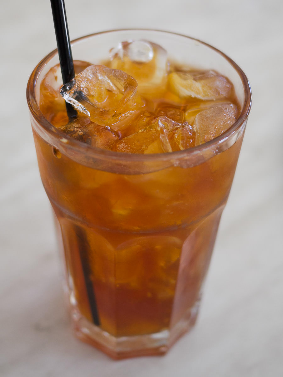 Teh-o ais (iced black tea, AU$3.00)