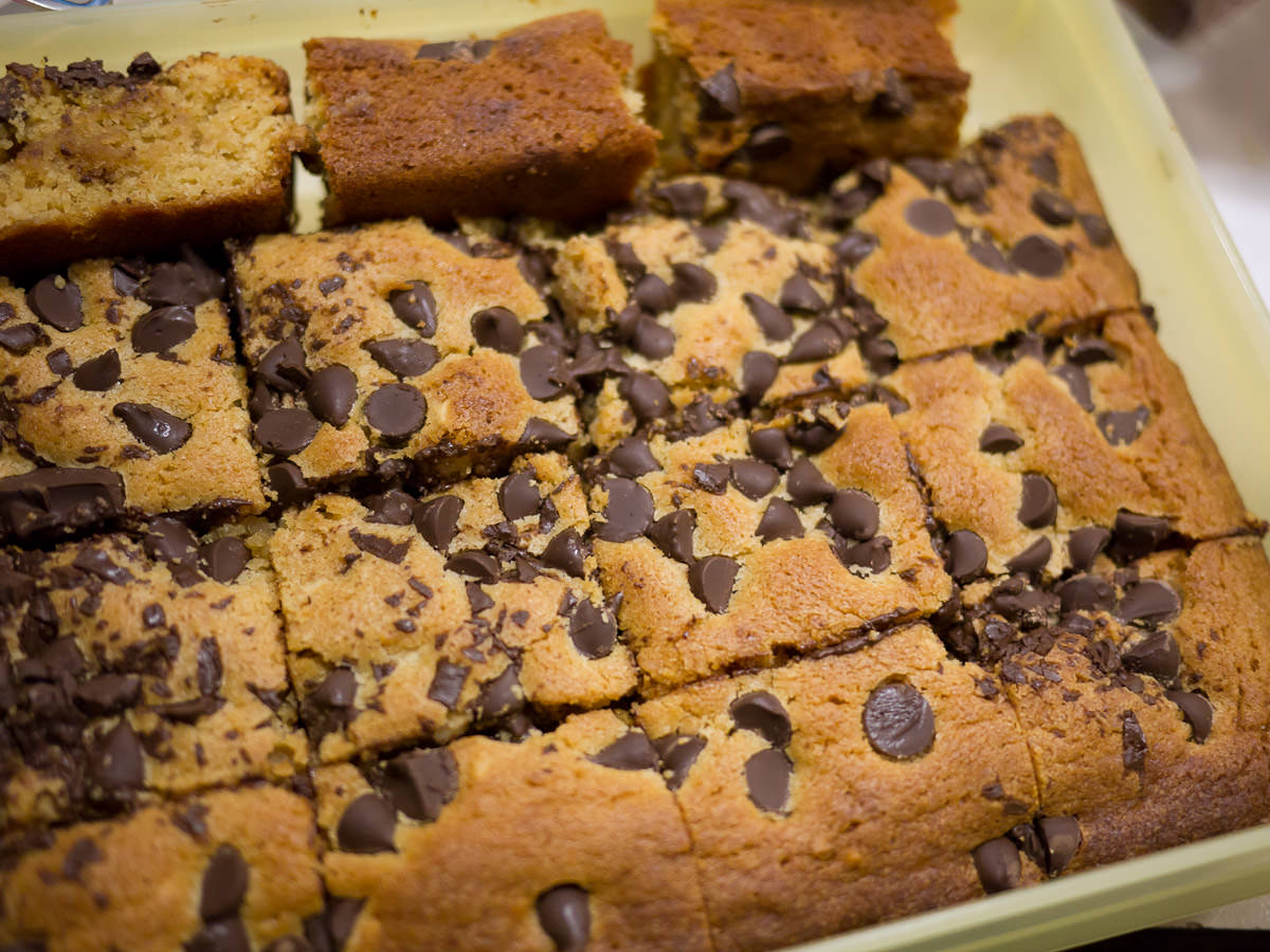 Peanut butter and choc chip blondies by Juji