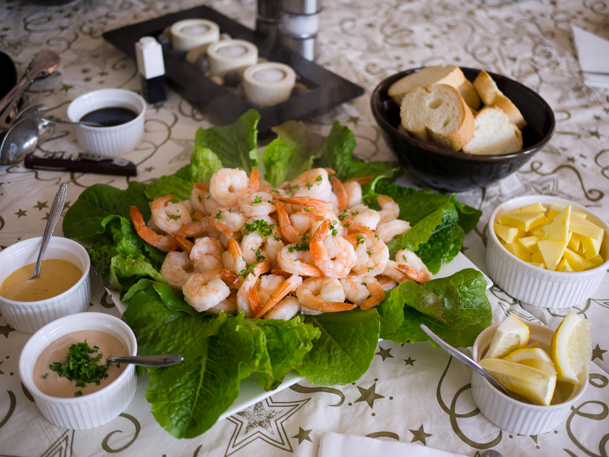 Prawns, Taka Tala dressing, homemade seafood sauce, bread and butter