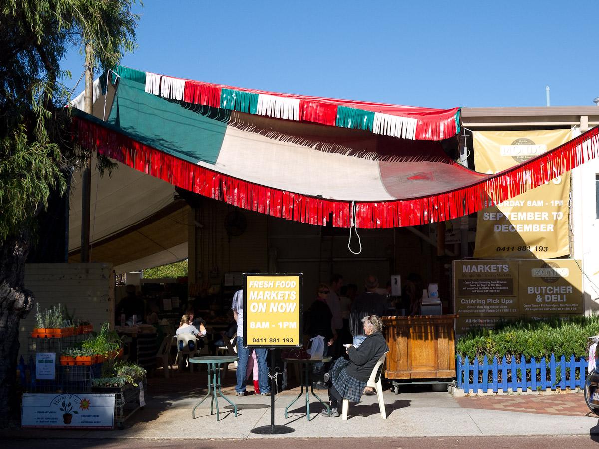Mondo Markets entrance