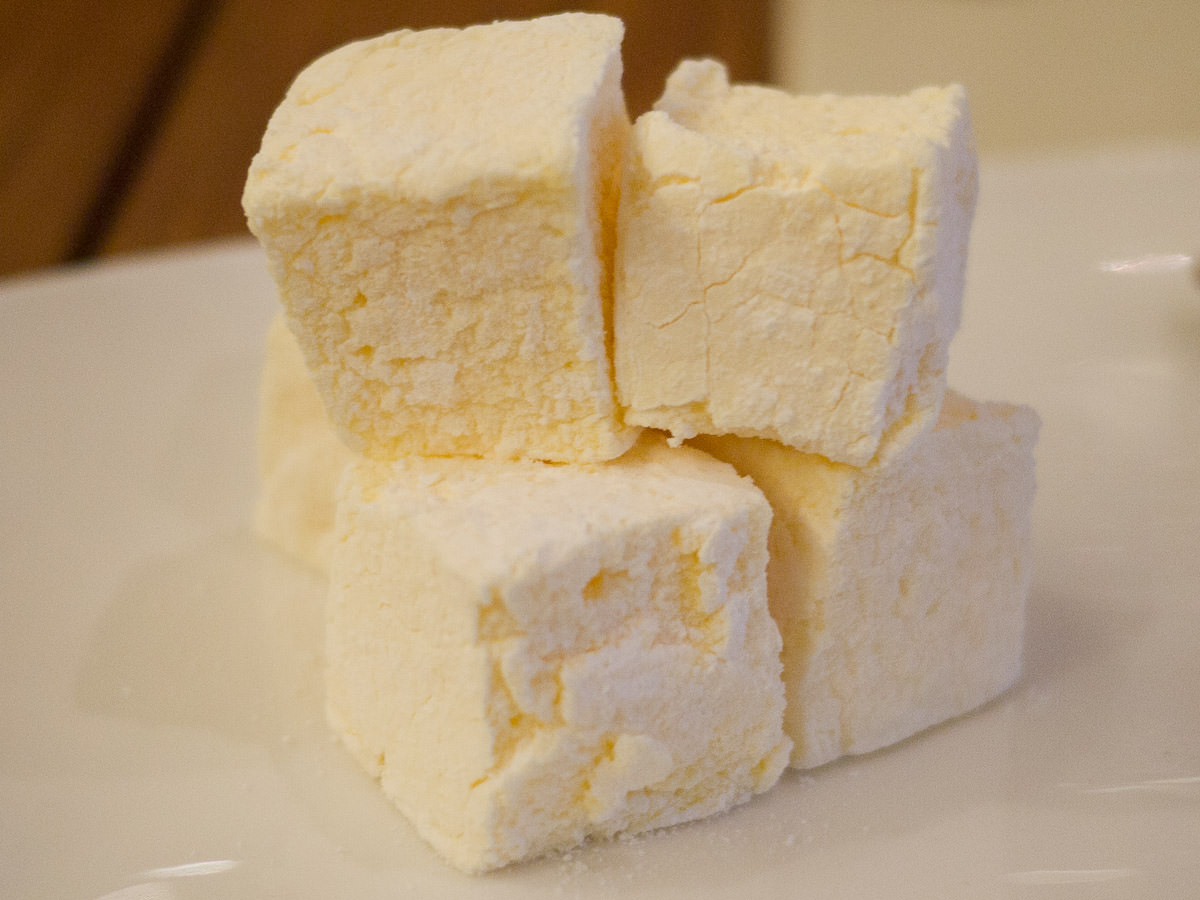 Passionfruit marshmallow