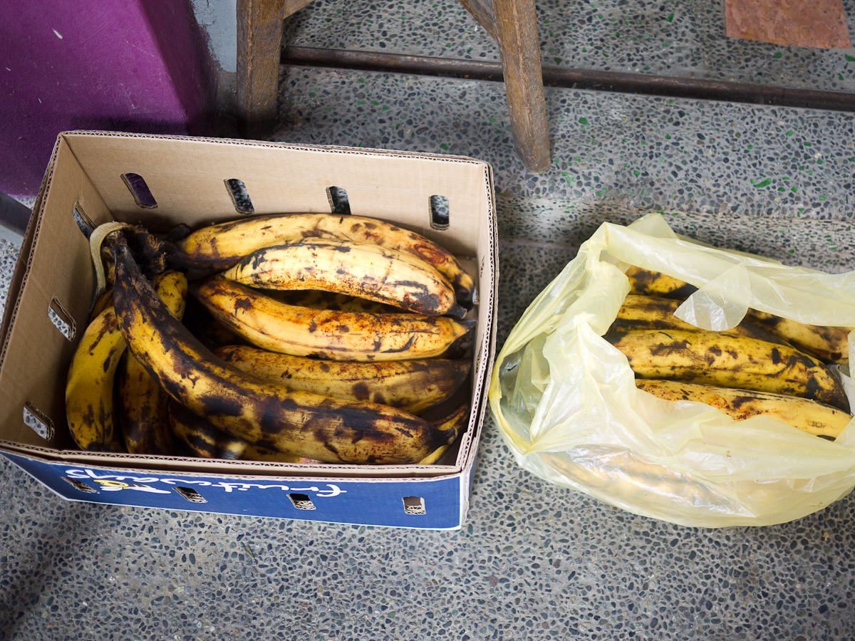 Bananas for pisang goreng