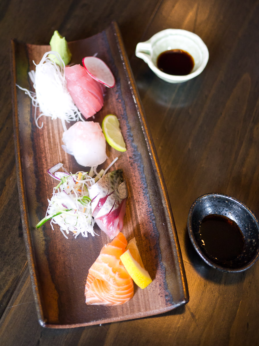 Omakase sashimi plate