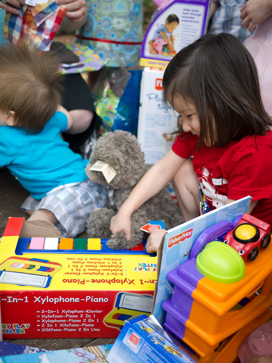 Caleb's new bear plays the xylophone (with help from Zoe)