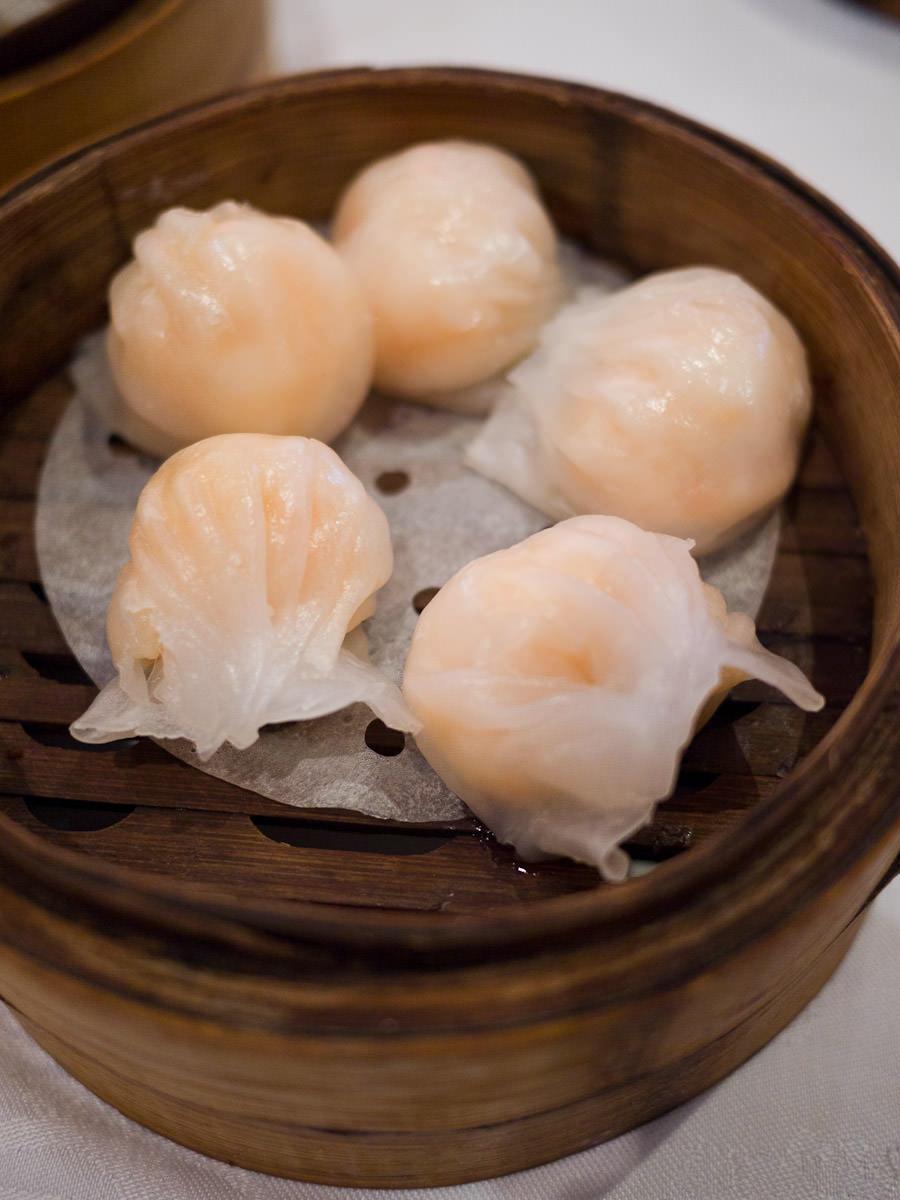 Steamed prawn dumplings (haw gow)