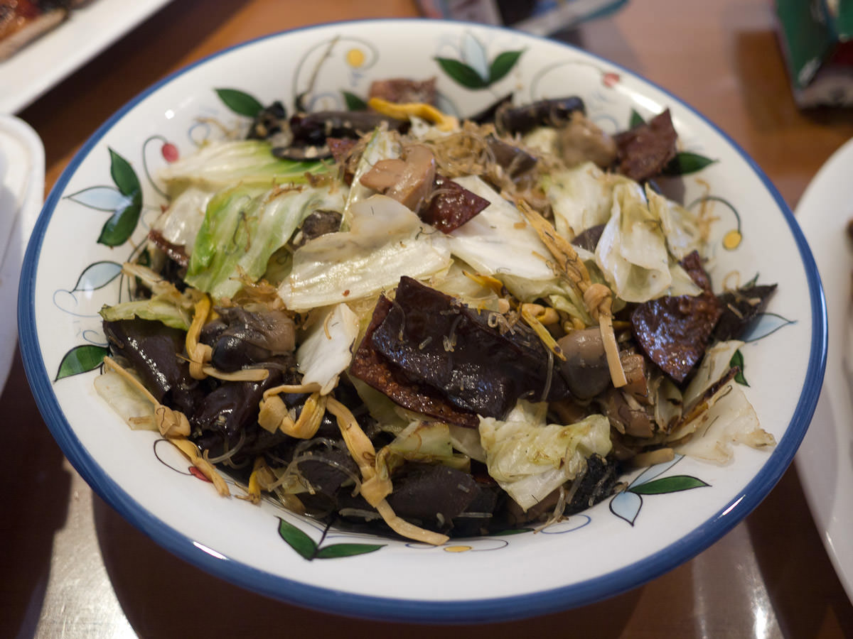 Chap chai (vegetables and fungus dish)