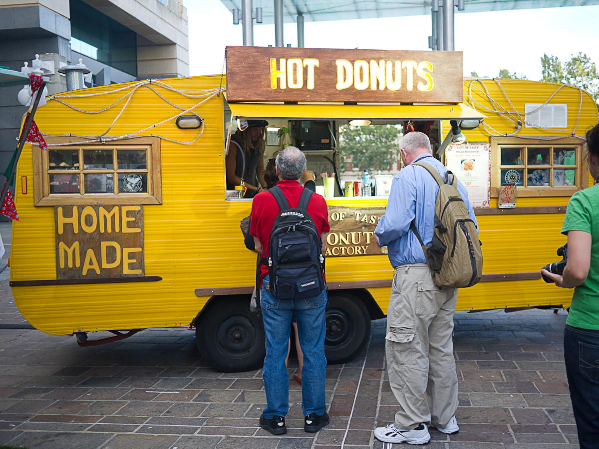 Hot Donuts van