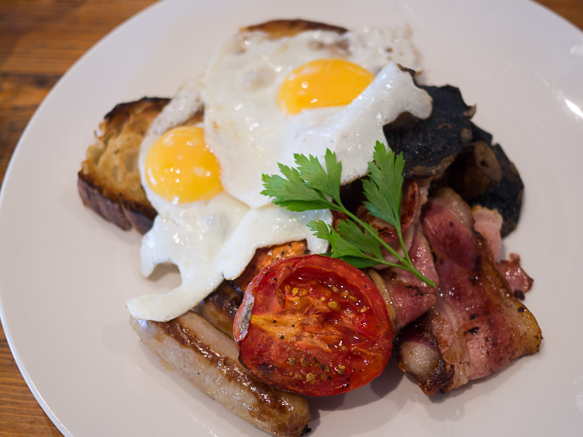 Stewart's Rather Large Breakfast (AU$18)