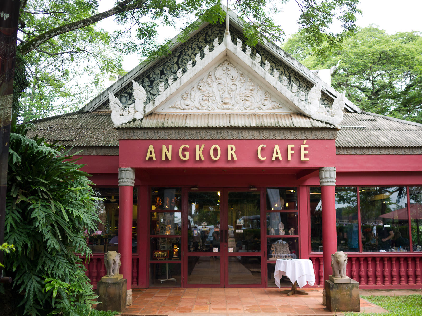 Angkor Cafe - entrance