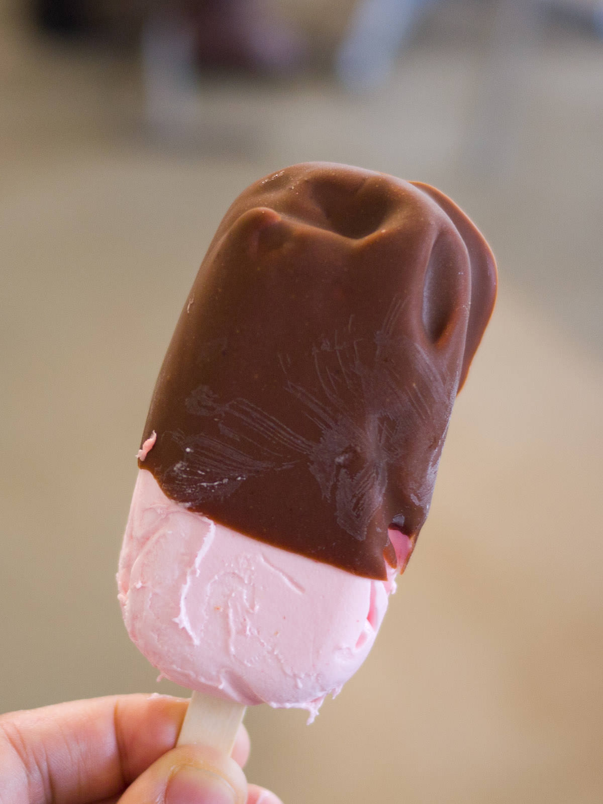 Chocolate-dipped strawberry ice cream