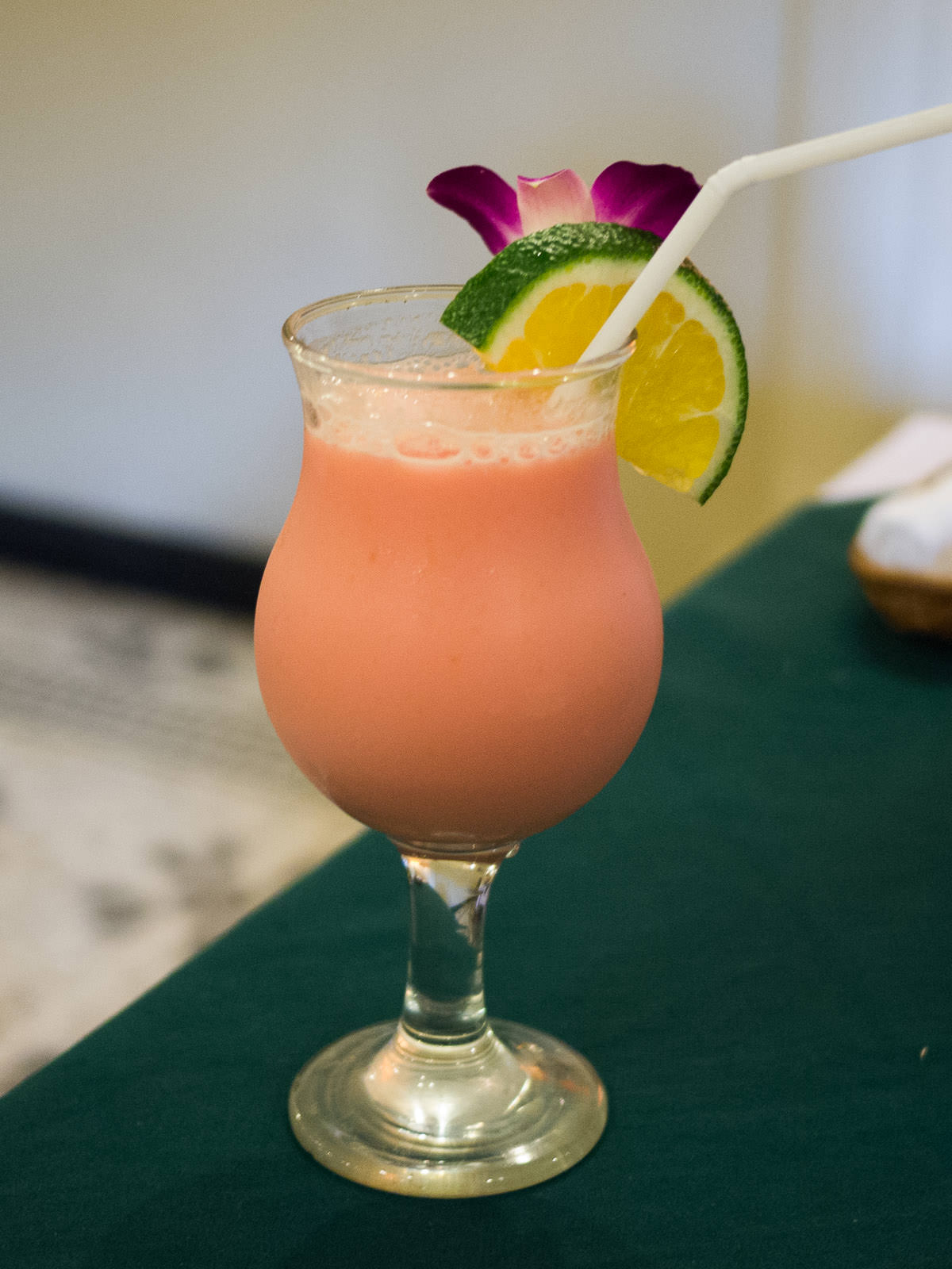 Pussy Food - mocktail with orange, pineapple, Grenadine and milk (US$5)